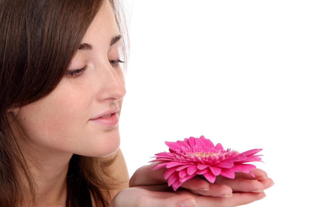O perfume da rosa promoveu o desenvolvimento da memória.