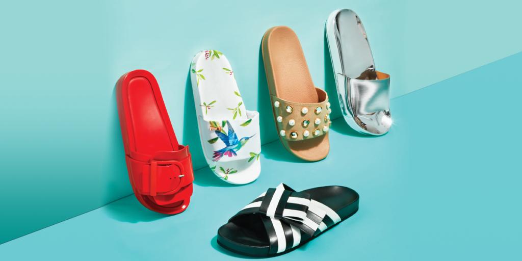 Sandálias são criadas com látex e pintadas com terra e urucum.